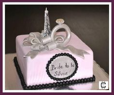 FONDANT BRIDAL SHOWER CAKE - PARIS AND ENGAGEMENT RING THEMED CAKE (Pastel de despedida de soltera con tema de Paris y anillo de compromiso)