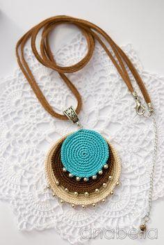 Crochet Motif Anabelia Handmade: Boho turquoise crochet pendant and earrings. Textile Jewelry, Fabric Jewelry, Boho Jewelry, Jewelry Crafts, Handmade Jewelry, Jewellery, Crochet Bracelet, Crochet Earrings, Turquoise Pendant