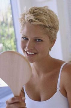 Beautiful short blonde hairstyles 2014