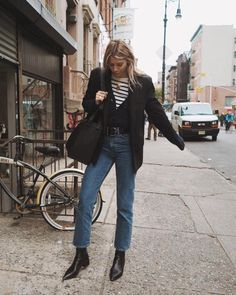 Best straight leg jeans: Ropes of Holland Wears Weekday Jeans Los mejores jeans rectos: Ropes of Holland Wears Weekday Jeans Style Outfits, Fall Outfits, Casual Outfits, Fashion Outfits, Womens Fashion, Jeans Fashion, Winter Layering Outfits, Layering Clothes, Denim Outfits