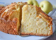 BIZCOCHO DE YOGUR Y MANZANA Bunt Cakes, Cupcake Cookies, Cupcakes, Banana Bread, Recipies, Cheesecake, Food And Drink, Apple, Baking