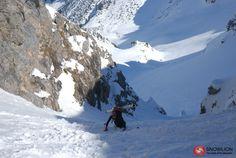 Ein nicht besonders bekannter Berg im hinteren Bregenzerwald, der für Skitourengeher aber ein sehr lohnende Ziel ist. Eine rassige Abfahrt und ein schöner Aussichtsberg machen diese Skitour zu einem besonderen Erlebnis. Portal, Berg, Mount Everest, Mountains, Nature, Travel, Goal, Alps, Nice Asses