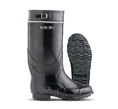 rain boots from Nokia, Finland High Boots, High Heels, Kinds Of Shoes, Hunter Boots, Rubber Rain Boots, My Style, Classic, How To Wear, Hunters