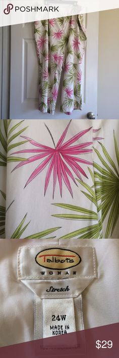 Beautiful Tropical Print Lined Pants 24W Side zipper and small amount of elastic on back area of waistband. Talbots Pants