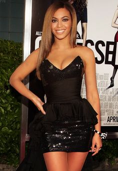 Beyonce... Love this little black dress