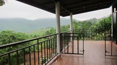 Phupassadee Resort Khao Kho Featuring free WiFi, Phupassadee Resort offers pet-friendly accommodation in Khao Kho. Free private parking is available on site.  Some units have a seating area and/or terrace. Some units also have a kitchenette, equipped with a microwave.