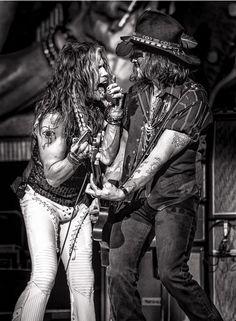 Steven Tyler and Johnny Depp at the Staples Center,  LA, 2012. ☚