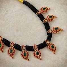 Black with gold jewellery Silver Jewellery Indian, Gold Jewellery Design, Temple Jewellery, Beaded Jewelry, Jewelery, Silver Jewelry, Pearl Set, Black Ruby, India Jewelry