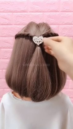 Frisuren Sometimes all you need is a simple trick to have a good hair day! Easy Everyday Hairstyles, Easy Hairstyles For Long Hair, Diy Hairstyles, Cute Simple Hairstyles, Ponytail Hairstyles, Wedding Hairstyles, Hair Up Styles, Medium Hair Styles, Long Hair Video
