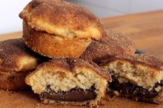 Muffins με κανέλα γεμιστά με Nutella (Video)