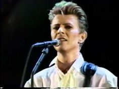 DAVID BOWIE - PANIC IN DETROIT - LIVE TOKYO 1990. Great version, gorgeous.
