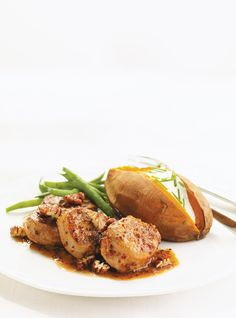 Ricardo presents his pork recipes. Learn how to cook and to accompany pork in different ways. Recipes With Pork Chunks, Cubed Pork Recipes, Pork Cutlet Recipes, Sirloin Recipes, Pork Sausage Recipes, Pork Shop Recipes, Meat Recipes, Healthy Recipes, Pork Scallopini