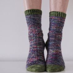 The Tulsi Socks were inspired by the colorful geographic patterns on Pukka's beautiful tea packages. Knitting and tea are just a perfect match!