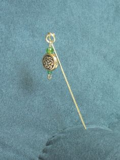 Hijab pin - nonfigurative. $5.00, via Etsy.