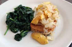 Pork chops with apples and caramelized onions – Mi Diario de Cocina Delicious Desserts, Yummy Food, Tasty, Dole Pineapple Juice, Pork Chop Seasoning, Coconut Flan, Main Dishes, Side Dishes, Sauteed Spinach