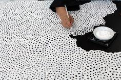 Yayoi Kusama White Infinity Nets - Courtesy Yayoi Kusama Studio Inc., Ota Fine Arts, Tokyo / Singapore and Victoria Miro, London © Yayoi Kusama Andy Warhol, Dot Day, Mayfair London, Arte Pop, Conceptual Art, Contemporary Artists, Modern Art, Abstract Expressionism, Pop Art