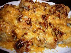 Bloemkool met gesmolten oude kaas met verse knoflook en Chan's sauzen... smakelijke groet, Tammy Wong - Koken Met Specerijen