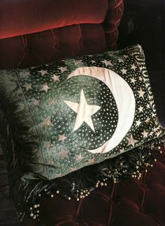 Black and white moon and star pillow Dishfunctional Designs: Live A Little Be A Gypsy Get Around: Bohemian Inspiration