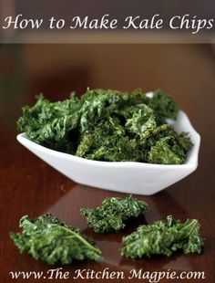 How To Make Kale Chips from @Karlynn Johnston aka The Kitchen Magpie. Why are they addicting? I swear they shouldn't taste as good as they do. Give them a whirl! #cleaneating #healthyrecipes #kale