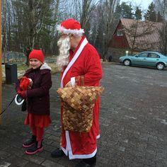 Joulun avajaisissa oli Olivia-tonttu ja joulupukki Rovaniemeltä
