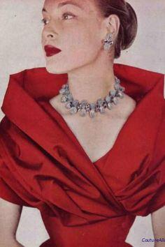 great dress cut & jewellery
