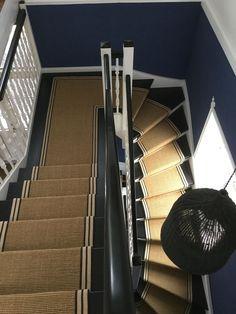 Sisal Gold Striped Border Stair Runner Carpet Stairs In – Carpet 2020 Black Carpet Bedroom, Bedroom Carpet Colors, House Stairs, Carpet Stairs, Sisal Stair Runner, Stair Runners, Stairs And Hallway Ideas, Stained Staircase, Entrance Hall Decor