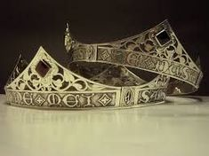 The crown of the Queen Under the Mountain. Royal Jewels, Royal Crowns, Tiaras And Crowns, Fortes Fortuna Adiuvat, Celtic Crown, Captive Prince, West Art, Circlet, Fantasy Jewelry