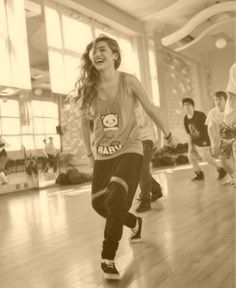 i wish with my whole heart that i could dance like Chachi Gonzales. Cool Dance, Lets Dance, Dance Art, America's Best Dance Crew, Chachi Gonzales, Professional Dancers, In A Heartbeat, My Idol, Picture Video