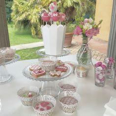 Confettata sui vari toni del rosa ☺️ #instafood #ilas #ilasSweetness #confetti #confettata #wedding #cakedesign #pastadizucchero #cakepops #cupcakes #biscotti #cerronenozze #villadino