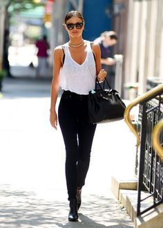Miranda Kerr Street Style | Black Skinnies and White Tank | La Beℓℓe ℳystère