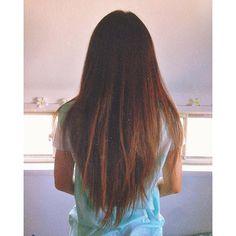 . my mom! . 147cmしかないのにこの長さ✋ . このままじゃ身体の半分が髪の毛になっちゃうんではないかい⁉️笑 . . 好きなものが似てるから共有し合える . 私はマミーのセンスが大好き . #aloha #hawaiian #summer #sea #beach #surf #fashion #hair #mom #small #love  #アロハ #ハワイアン #夏 #海 #ビーチ #サーフ #ファッション #ヘア #好み似てる #センス良い #イケイケ母ちゃん #若作りママ #テンション高め #誰とでも仲良くなる #母なのか友達なのかわからない #チビ #私の友達から人気 #よく相談に乗ってあげてる 2016/06/18 18:00:57