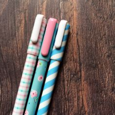 Pretty pens by CharlottesWeb86 on Etsy