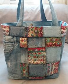 Colorful fabrics and light blue denim bag - Jackie Porter - # colorful bag . - Colorful fabrics and light blue denim pocket – Jackie Porter – # - Patchwork Bags, Quilted Bag, Bag Quilt, Denim Purse, Denim Bags From Jeans, Denim Crafts, Recycled Denim, Handmade Bags, Handmade Leather
