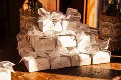 Recordação | Caixinha com lembrança | Lembrancinha para convidados | Detalhes de casamento | Lembranças | Lembrancinhas | Lembrancinha de casamento | Inesquecível Casamento | Presente para os convidados | Wedding Gifts