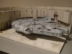 Here is some pics of my docking bay 94 diorama. The falcon is just the standard model kit. Star Wars Room, Star Wars Decor, Star Wars Art, Millennium Falcon Blueprint, Millennium Falcon Model, Arte Alien, Star Wars Figurines, Star Wars Models, Star Wars Pictures