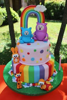 Awesome cake at a Rainbow and Animals Birthday Party! See more party ideas at CatchMyParty! Geweldige cake op een Rainbow and Animals Birthday Party! Twin First Birthday, Baby Birthday, Birthday Parties, Billy Bambam, Baby Tv Cake, Aaliyah Birthday, Cute Birthday Cakes, Rainbow Birthday, Animal Birthday
