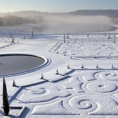 """Versailles in the snow <span class=""""EmojiInput mj40"""" title=""""Heavy Black Heart ::heart::""""></span> ℒℴvℯly"""