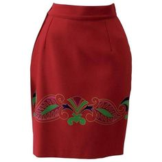 Preowned Gianni Versace Red Batik Ruffled Skirt 1990s (7.697.725 IDR) ❤ liked on Polyvore featuring skirts, red, red skirt, frill skirt, ruffle skirt, frilled skirt and red knee length skirt