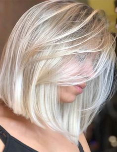 52 Erstaunlich Long Bob Frisuren Um Elegant Auszusehen Welcome to today's update of the best long bob hairstyles for round face shapes as well as … Medium Hair Styles, Short Hair Styles, Blonde Hair Colour Shades, Color Rubio, Platinum Blonde Hair, Blonde Bob Hair, Blond Bob, Cool Blonde, Brown Blonde