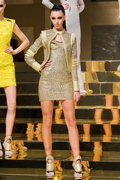 Atelier Versace Spring 2012 Couture Fashion Show