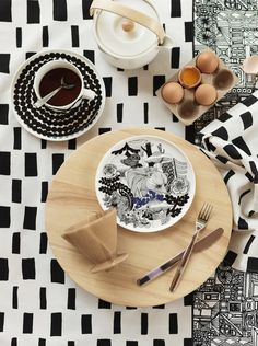To celebrate the Finland, Marimekko launched a pattern entitled Veljekset (brothers) created by Maija Louekari, one of Marimekko's younger generation print designers. The design was inspired by Finnish folk tales and it depicts wildlife inhab Marimekko, Deco Design, Print Design, Vase Deco, Table Design, Salad Plates, Serving Platters, Home Decor Items, Interior Styling
