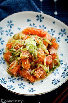 marinated salmon sashimi salad with miso dressing.ugh I miss salmon sushi every week. Sushi Recipes, Raw Food Recipes, Seafood Recipes, Asian Recipes, Cooking Recipes, Healthy Recipes, Sashimi Sushi, Salmon Sashimi, Salmon Salad
