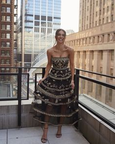Negin Mirsalehi at NYC with Oscar de la Renta dress! Miss Dress, The Dress, Pretty Dresses, Beautiful Dresses, Elegant Dresses, Casual Dresses, Formal Dresses, Couture Dresses, Fashion Dresses