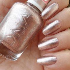 https://flic.kr/p/SEcqsy   Um esmalte metálica passando na sua timelime 😊 . . . #mundodahelen #esmaltes #nails #esmaltenasunhas #estilodeunha #esmaltadasdealice #clubdasesmaltadas
