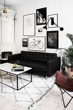 Black and White Living Room Decor. 20 Black and White Living Room Decor. Living Room White, Living Room Sofa, Living Room Interior, Home Interior, Living Rooms, Apartment Living, Black Sofa Living Room Decor, Cozy Apartment, Black And White Living Room Ideas