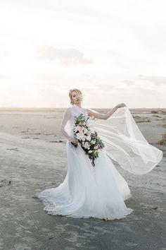 Sunrise Coastal Wedding Shoot | Studio Rendition | http://heyweddinglady.com/cast-away-coastal-wedding-shoot-sunrise-pastels