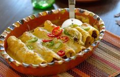 Check out this delicious recipe for Butternut Squash and Salsa Verde Enchiladas — and many more on the Pacific Foods site. Mexican Dishes, Mexican Food Recipes, Vegetarian Recipes, Cooking Recipes, Gf Recipes, Bean Recipes, Salsa Verde Enchiladas, Butternut Squash, Squash Soup