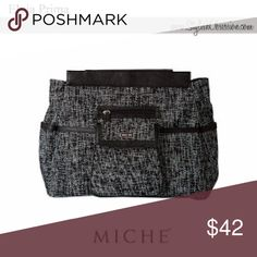 Miche prima Elvia The Miche Elvia Prima Shell is a purse that combines the timeless elegance of tweed with modern styling. Miche Bags Shoulder Bags