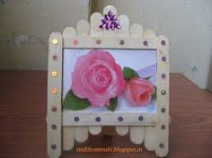 Lovely Photo Frame Craft From Ice Cream Sticks Ideas : Exceptional Inspirations From Ice Stick New Design Craft Ideas By Making Creative And Lovely Handmade Photo Frames Ice Lolly Stick Crafts, Ice Cream Stick Craft, Popsicle Stick Crafts, Craft Stick Crafts, Crafts To Make, Crafts For Kids, Popsicle Sticks, Craft Ideas, Popsicle Stick Picture Frame
