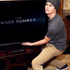Dylan O'Brien preparing to watch The Maze Runner!!!<~~~Me when I'm ready to watch any movie.